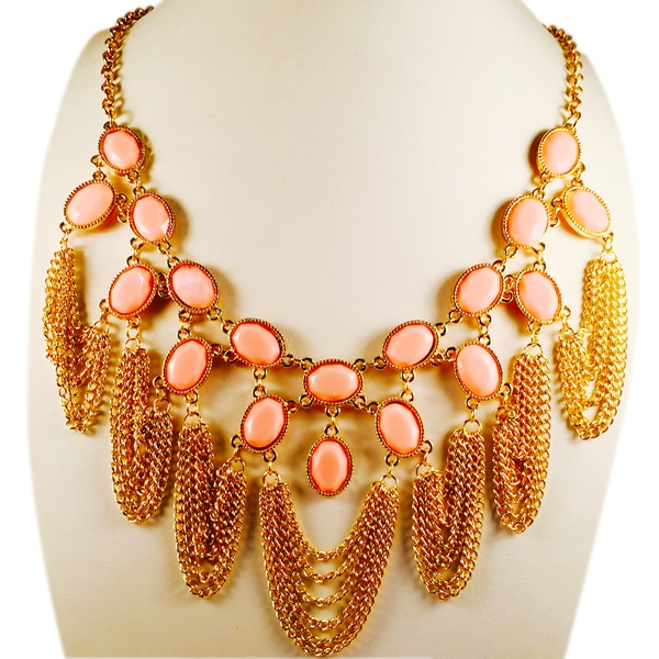 Vibrant statement shiney necklace with chains and stones
