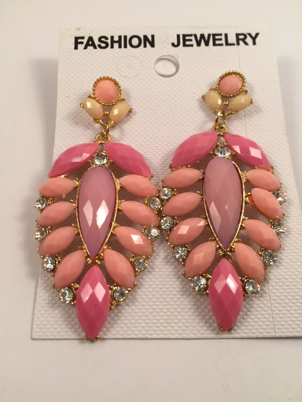 Glamorous and elegant pink shaded traditional earrings