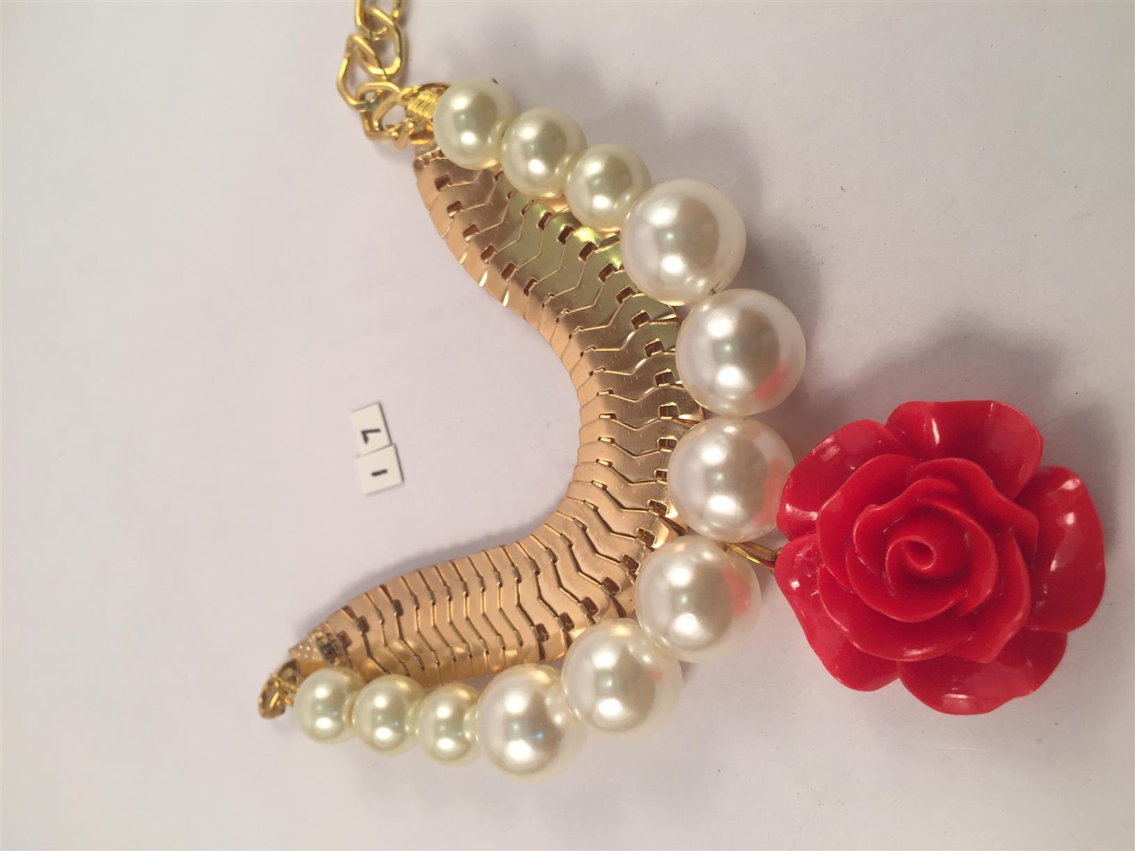 Chunky chain flower & Pearl bracelet