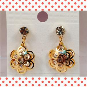 flower shaped crystal earrings