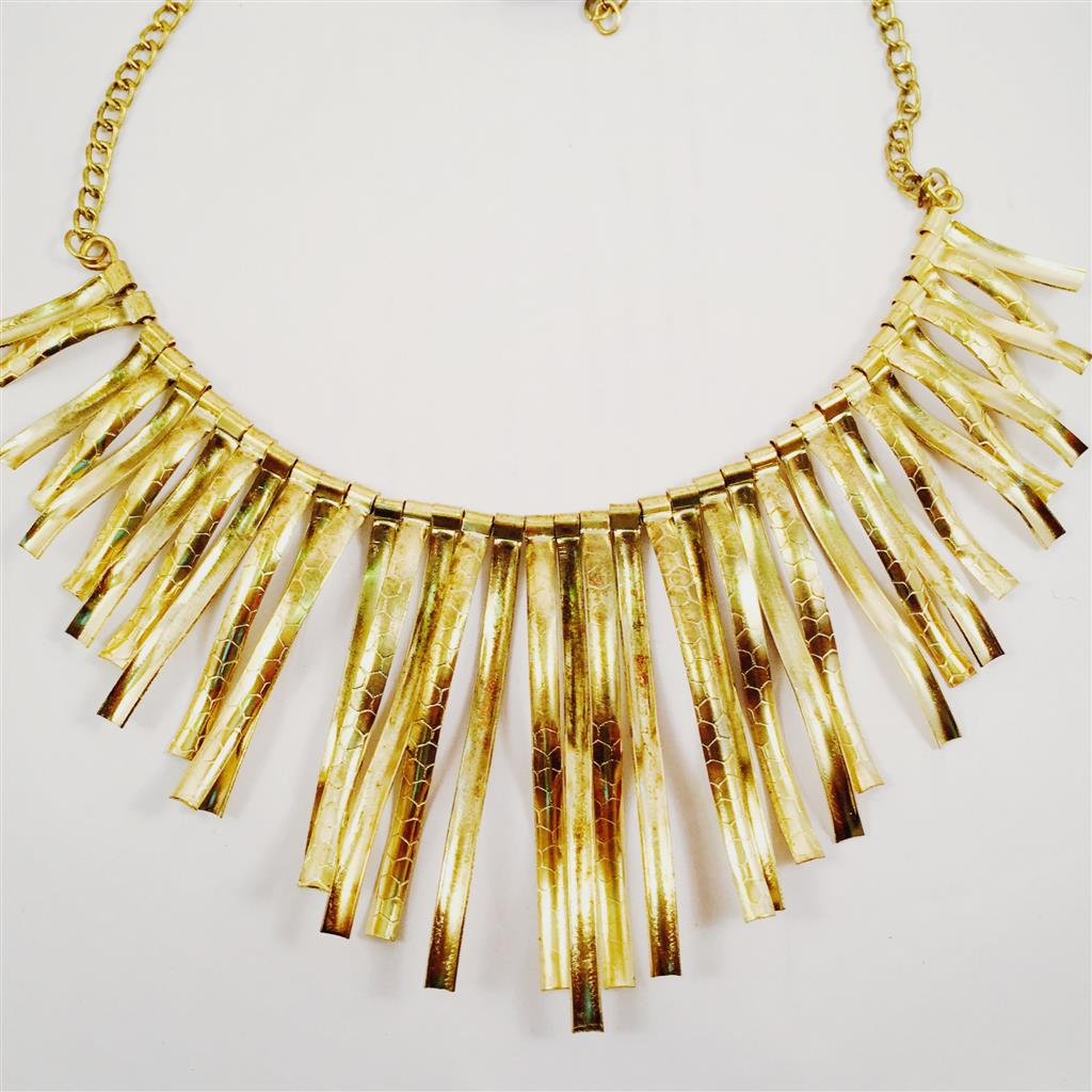 Costume jewelley statement necklace