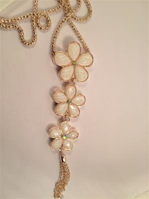 Galmorous and Stylish long chain with Beautiful flowers in sequence