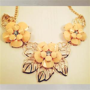 Very beautiful flower necklace