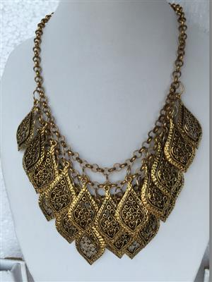 Bohemian Retro style set with golden toned Multi petal necklace